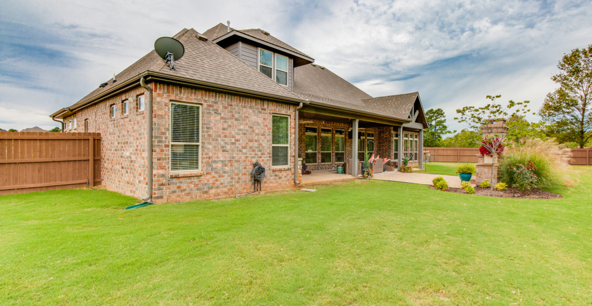 3180 Night Heron Dr. Fayetteville, AR 72704--011